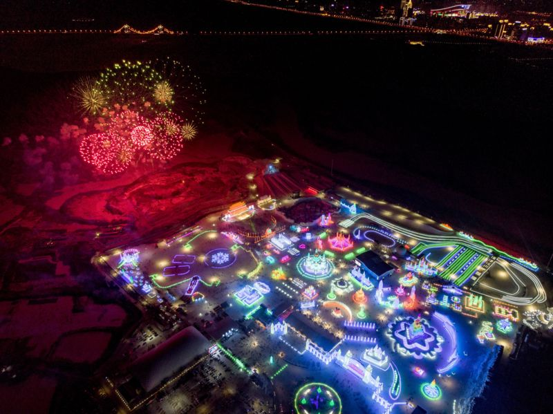 Aerial view of the whole festival at night.