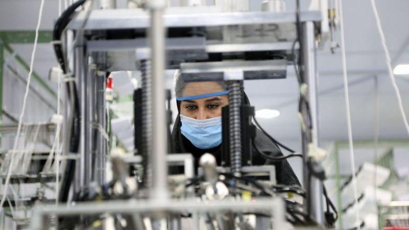 حقوق پایه کارگران ایران دو میلیون و ۶۵۰ هزار تومان تعیین شد