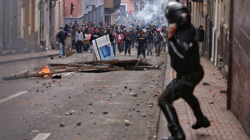 Protesto em Quito na segunda-feira