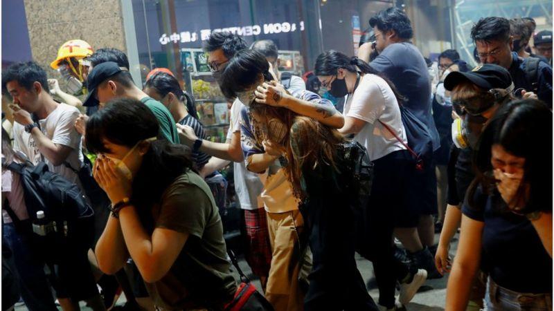 تظاهرات روز چهارشنبه در شام شویی پو که با گاز اشک آور پلیس روبرو شد