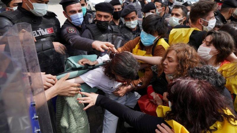 برگزاری تجمعهای روز کارگر در اطراف جهان؛ بازداشت شماری در ایران و ترکیه