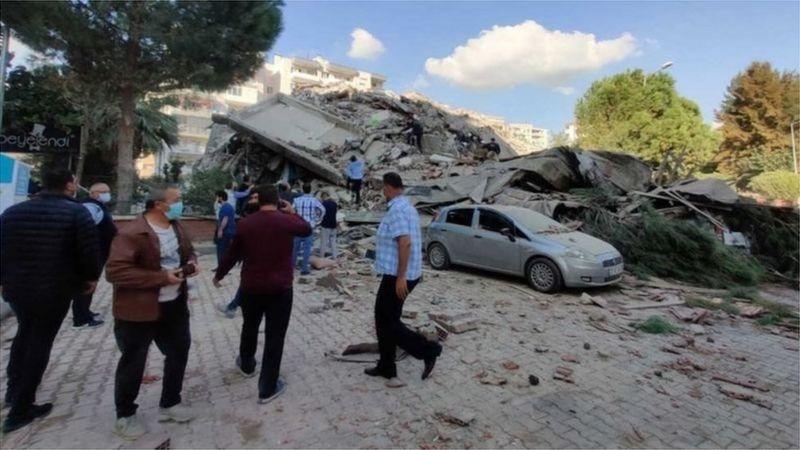 زلزال قوي يضرب سواحل تركيا واليونان مخلفا قتلى وجرحى