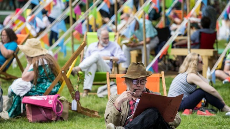 Hay Festival director and co-founder Peter Florence suspended _112269993_zzzgettyimages-689349814-1