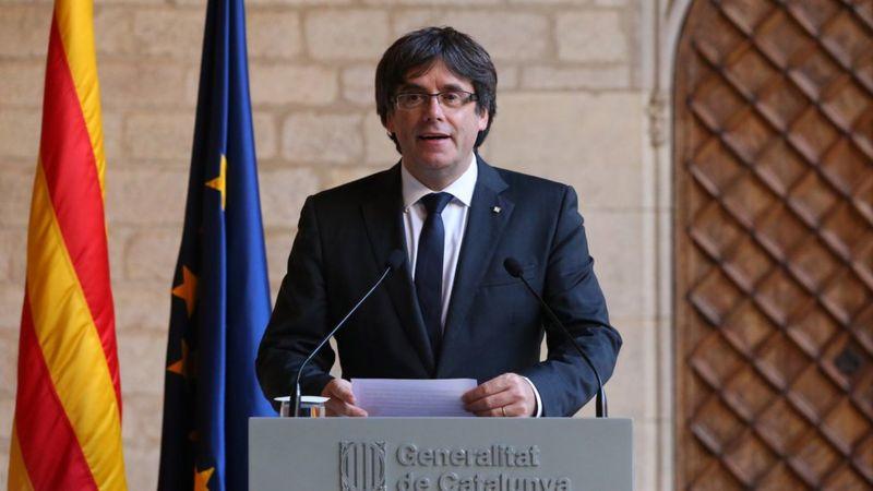 Carles Puigdemont gives a speech