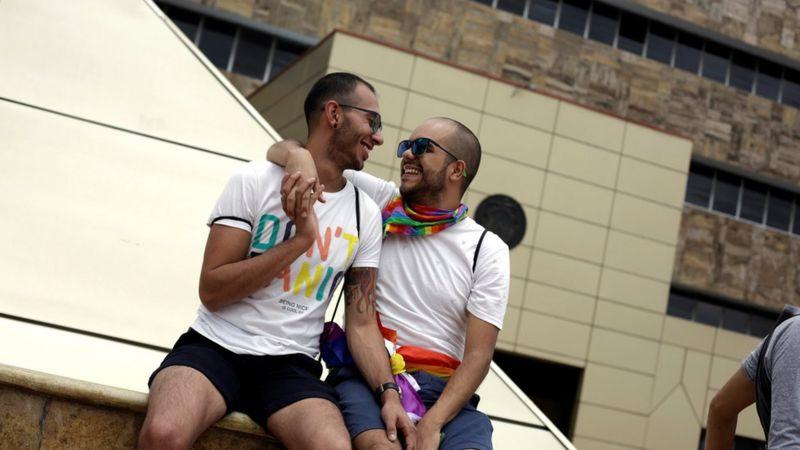 事实查核:哪些国家同性性行为仍然违法?
