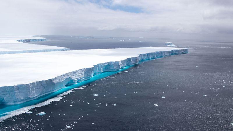 Розтанув найбільший в світі айсберг
