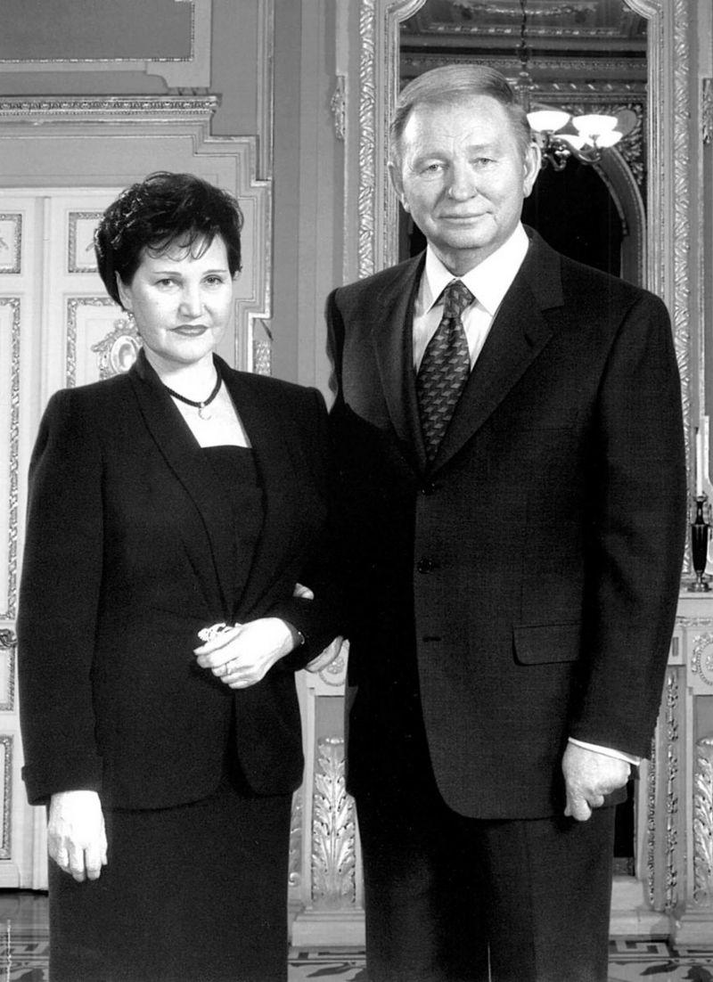 Людмила Кучма стала першою публічною дружиною президента України