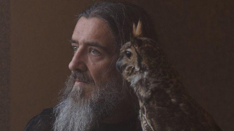 O treinador de animais e fotógrafo, Wagner Ávila, tem oito espécimes de rapina, entre elas um corujão-orelhudo