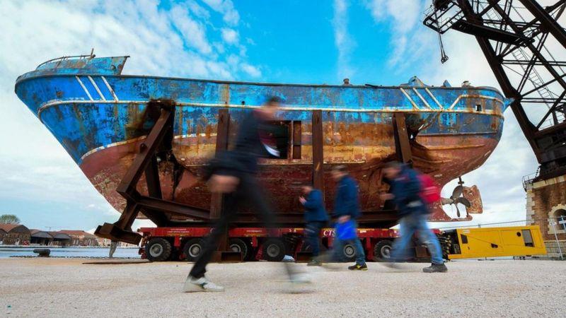 威尼斯双年展:惨遭海难的移民沉船是艺术吗?