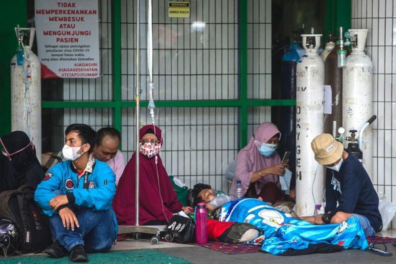 'Indonesia jadi episentrum penularan Covid di dunia', apa langkah pemerintah?