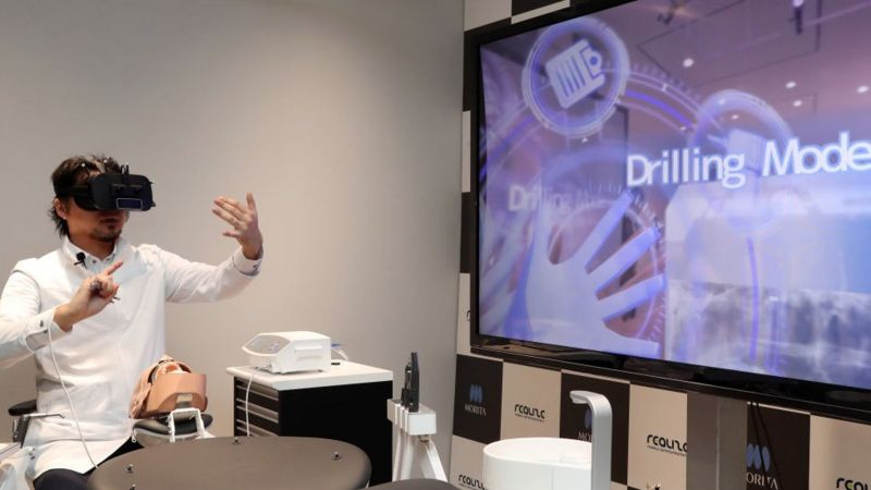 Virtual-reality-dentist.