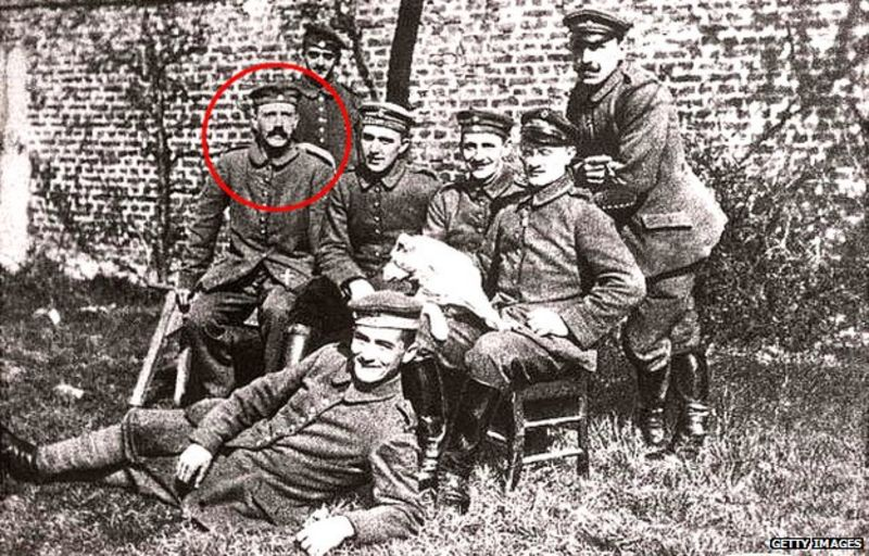 Hitler and his WW1 comrade soldiers