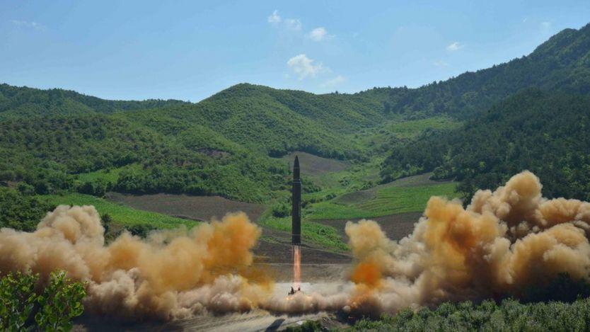 Lançamento de míssil balístico intercontinental pela Coreia do Norte
