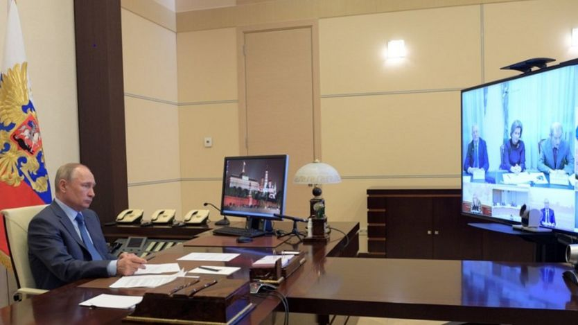President Putin at video conference with ministers, from his Novo-Ogaryovo residence near Moscow, 20 Apr 20
