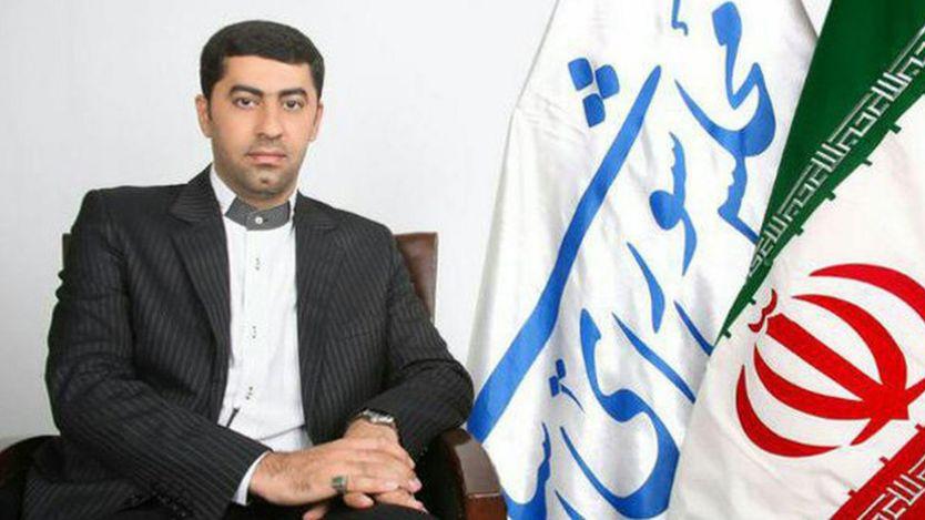 پلیس ایران می گوید ماموری که از حمدالله کریمی نماینده مجلس کارت شناسایی درخواست کرده بود، هدف ضرب و شتم او قرار گرفت