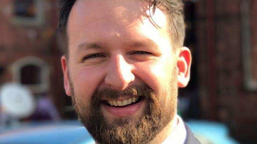 Edward Grefenstette es científico investigador en Facebook, en Londres.