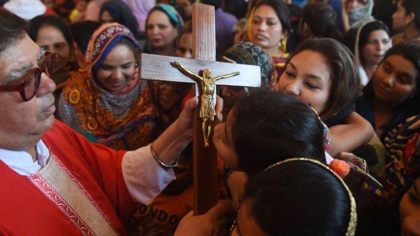 巴基斯坦約有250萬名基督徒,佔人口少於2%。