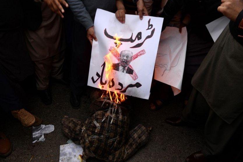 آتش زدن نام ترامپ در اسلامآباد، پاکستان