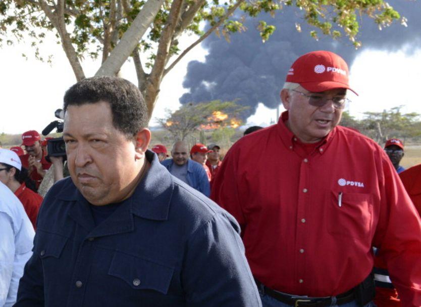 Hugo Chávez y Rafael Ramírez.
