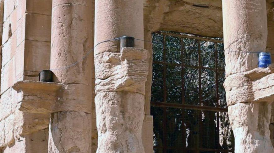 Монументы с заложенным динамитом