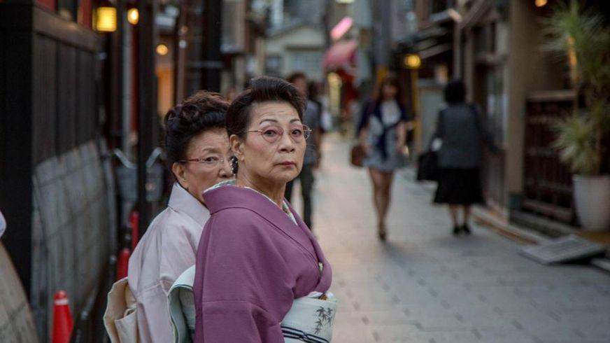 Dân số Nhật Bản đang già hóa nhanh nhất thế giới, hậu quả là một số lượng lớn công việc không có ai làm và cần được giải quyết