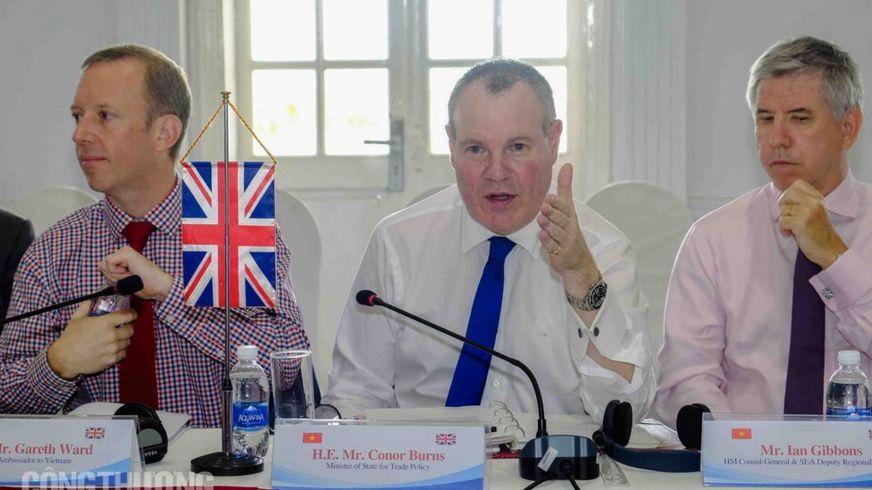 Khóa họp lần thứ 11 của Uỷ ban Hợp tác Kinh tế Thương mại Việt Nam - Vương quốc Anh được tổ chức tại Hạ Long hôm 4/10