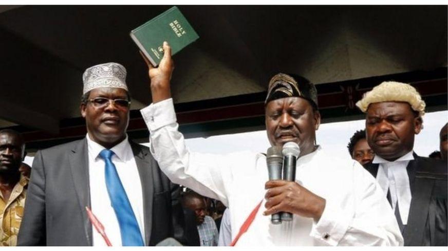 Kiongozi wa upinzani nchini Kenya akijiapisha kuwa ''Rais wa Wananchi''