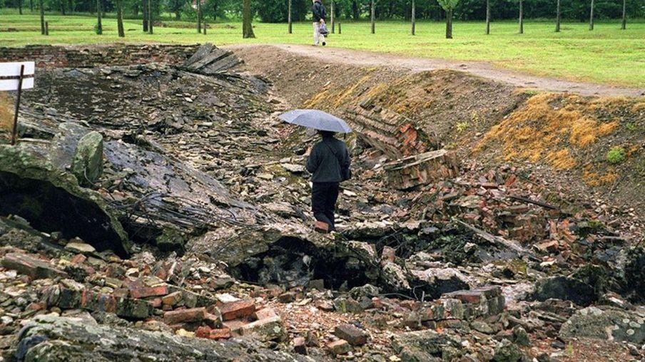 奥斯威辛集中营毒气室废墟。