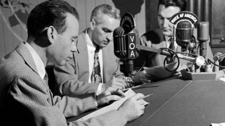 Đài Tiếng nói Hoa Kỳ -VOA thành lập từ 1942