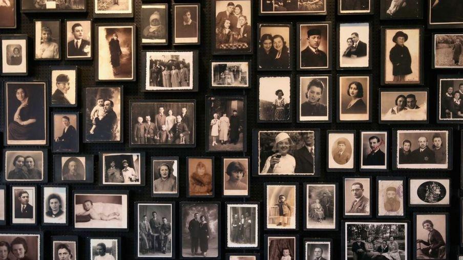 纳粹没收了关进集中营的犹太人随身携带的全部物品
