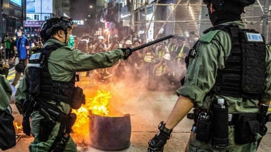 Cảnh sát ở Hong Kong hôm 27/5.