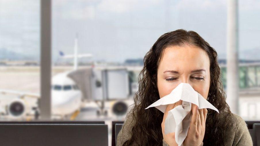 فيروس كورونا يحتاج إلى خمسة أيام حتى تظهر أعراضه