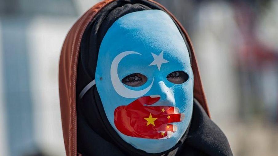 """新疆""""再教育营"""":中国称学员已全部结业今后来去自由"""
