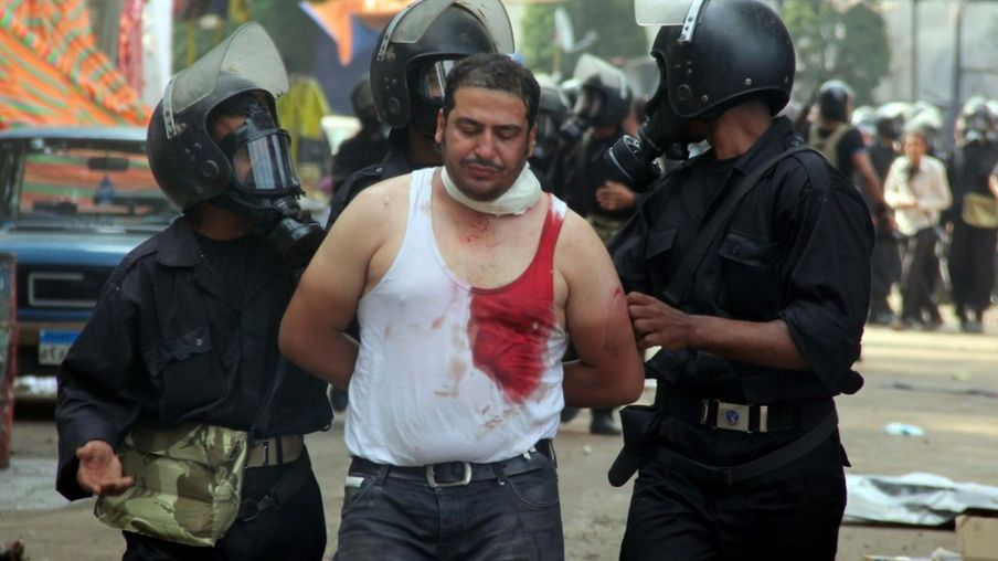 In pictures: Egypt forces storm Cairo pro-Morsi camps