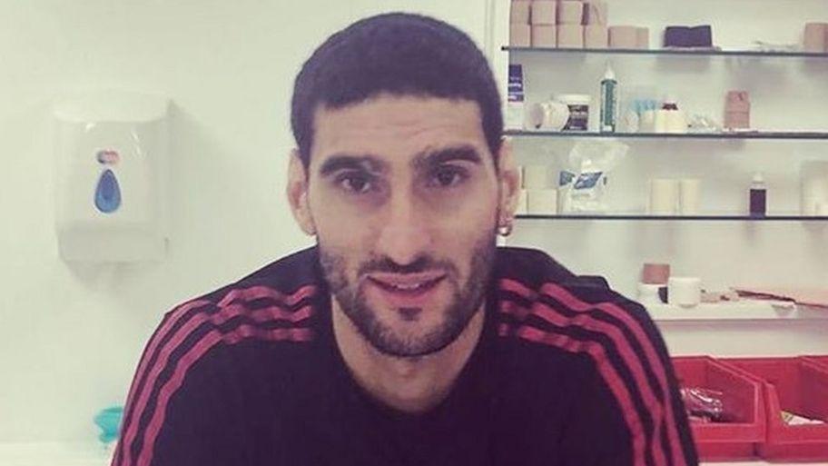 Marouane Fellaini Man Utd Star Has Had A Haircut Cbbc Newsround