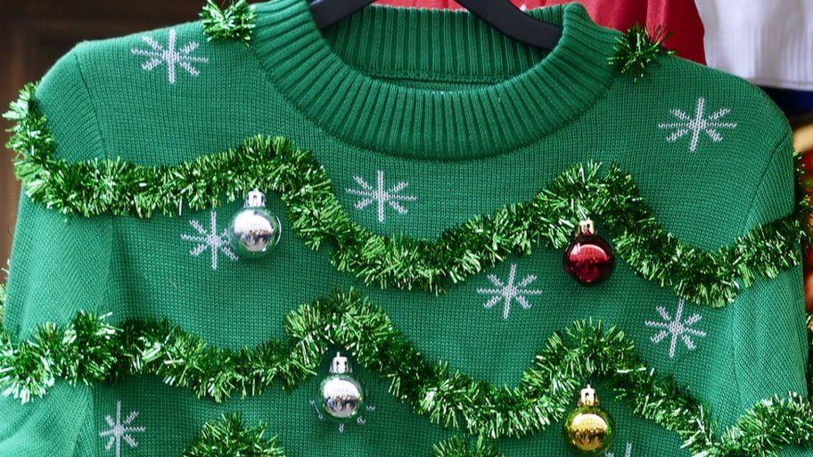 _110016713_christmas-jumper.jpg