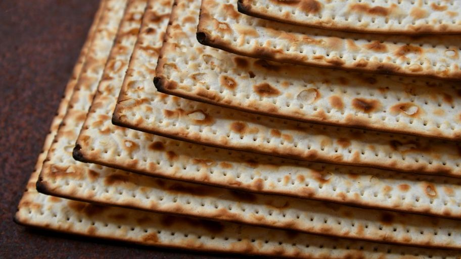 Passover 2019: What is the story of Passover? - CBBC Newsround