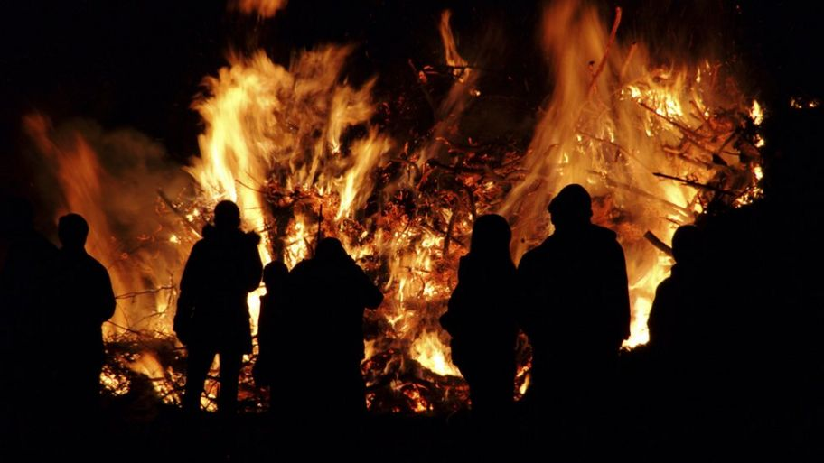 Bonfire Night: What is the story behind it? - CBBC Newsround
