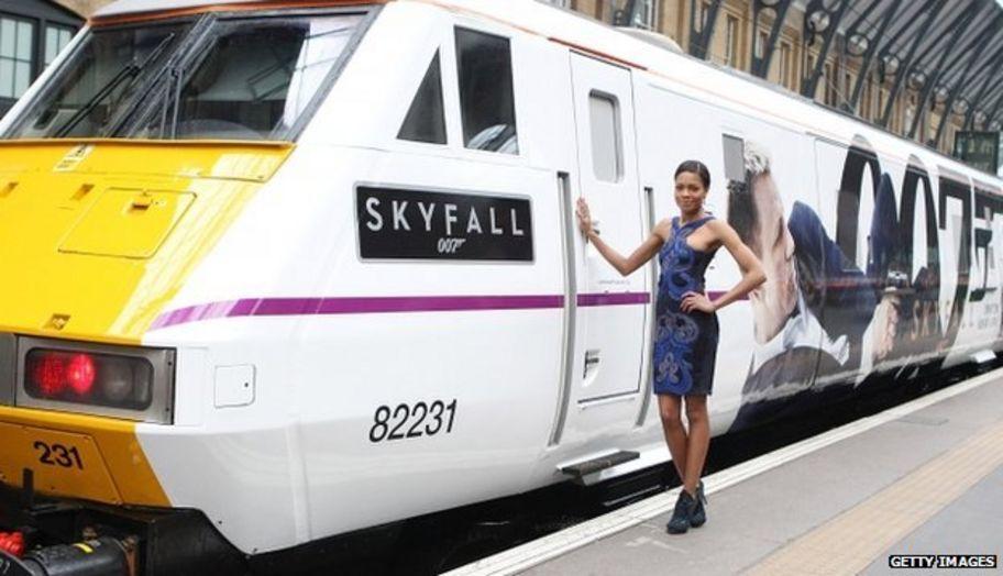 Bond-themed 'Skyfall' train revealed - CBBC Newsround