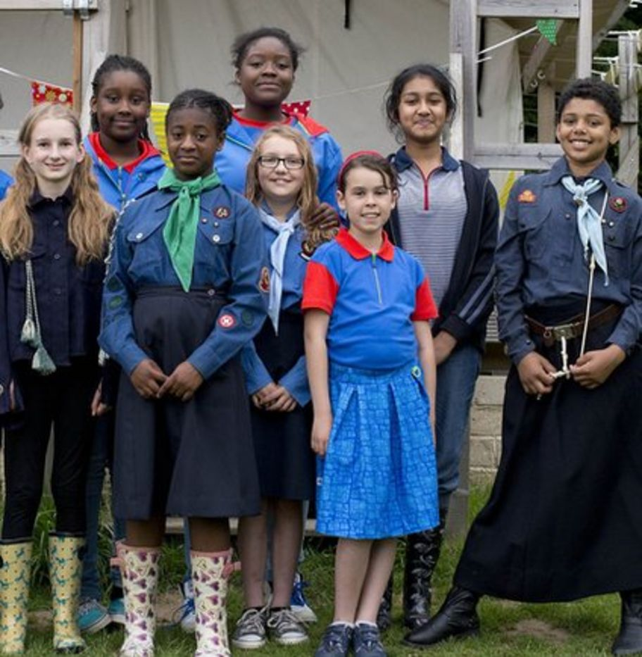 Girl guides have 'fresh' new uniform - CBBC Newsround