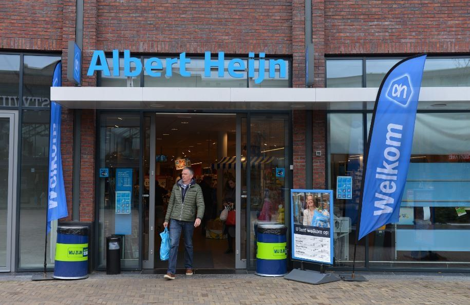 Hollanda'nın en büyük süpermarket zinciri 'uygun üniforma için' çalışanlarından iç çamaşırlı fotoğraf istedi, özür diledi