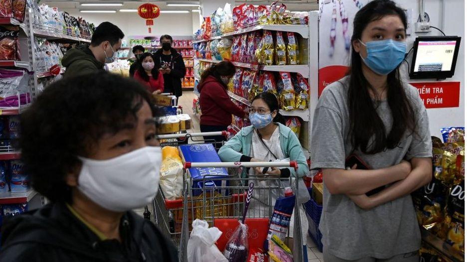Một siêu thị ở Việt Nam hồi đầu tháng 3/2020