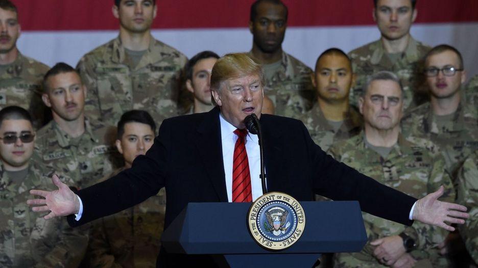 دونالد ترامپ در سفر غیرمنتظرهاش به افغانستان از برنامهاش برای کاهش نیروهای آمریکایی خبر داد.