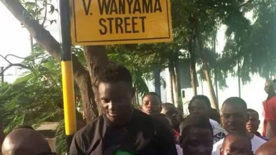 Victor Wanyama next to Ubungo street bearing his name