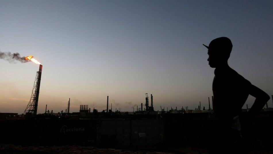 Devlete ait petrol şirketi PDVSA'nın Punto Fijo kentindeki rafinerisi.