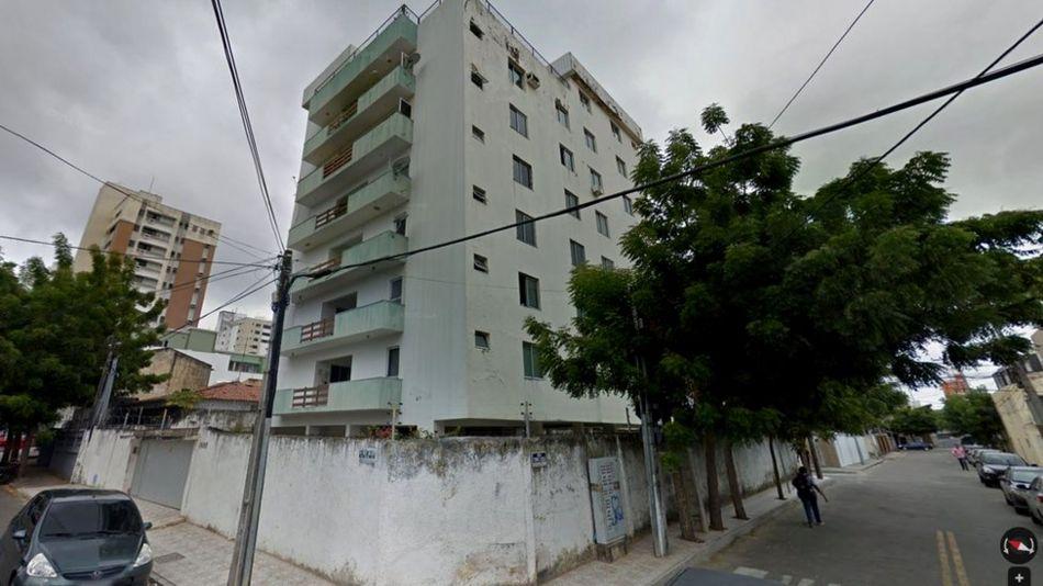 Prédio que desabou em área nobre de Fortaleza