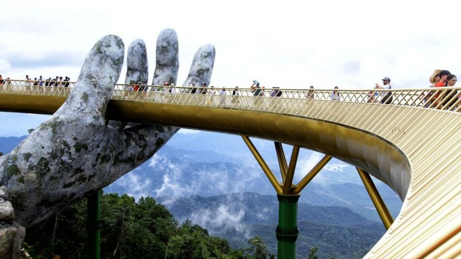 Cầu Vàng tại Sun World Ba Na Hills, do Sun Group đầu tư
