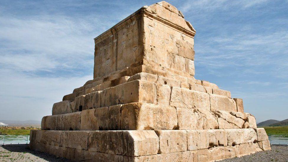 Mausoleo de Ciro.