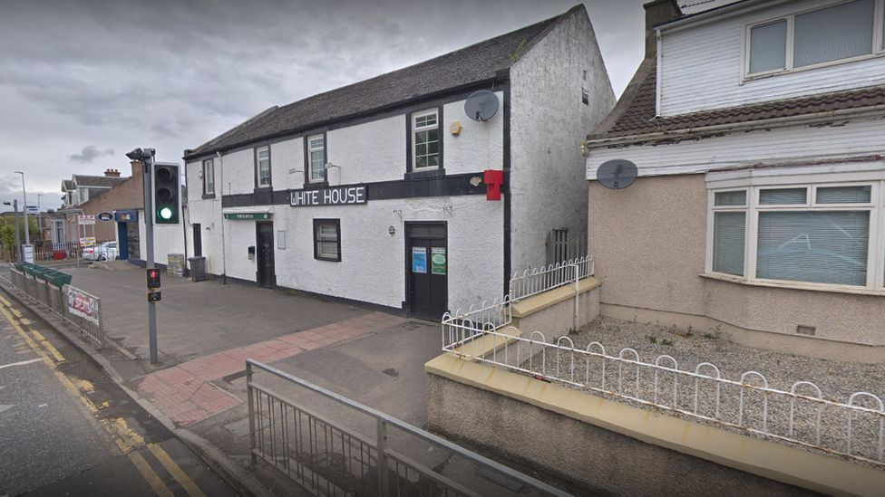 White House Bar in Holytown