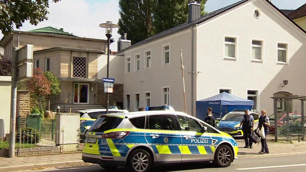 Synagogue surrounded by police